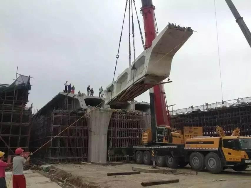 呼和浩特桥梁切割-桥墩切割液压绳锯施工案例