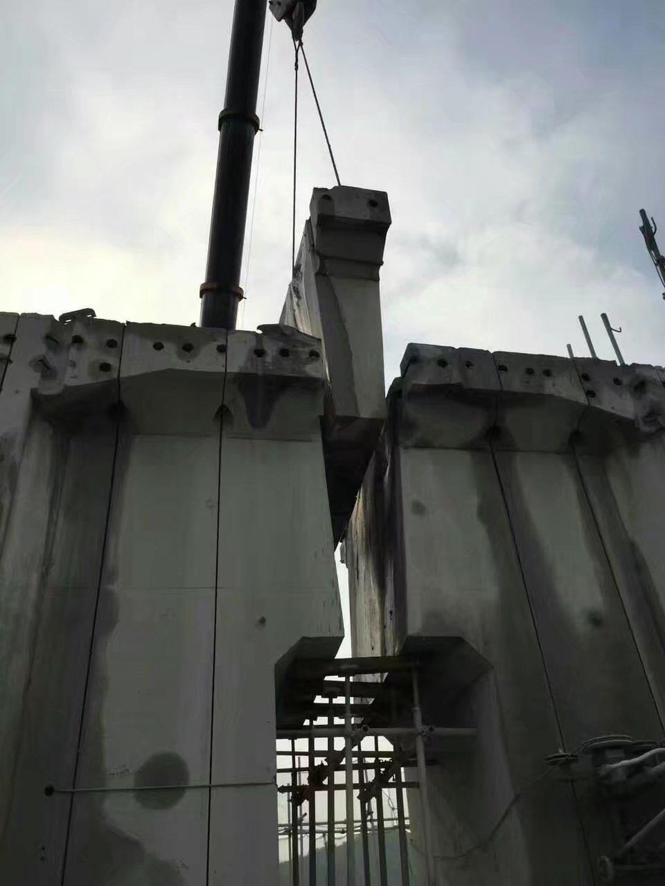 呼和浩特高速公路防撞梁切割设备采用绳锯